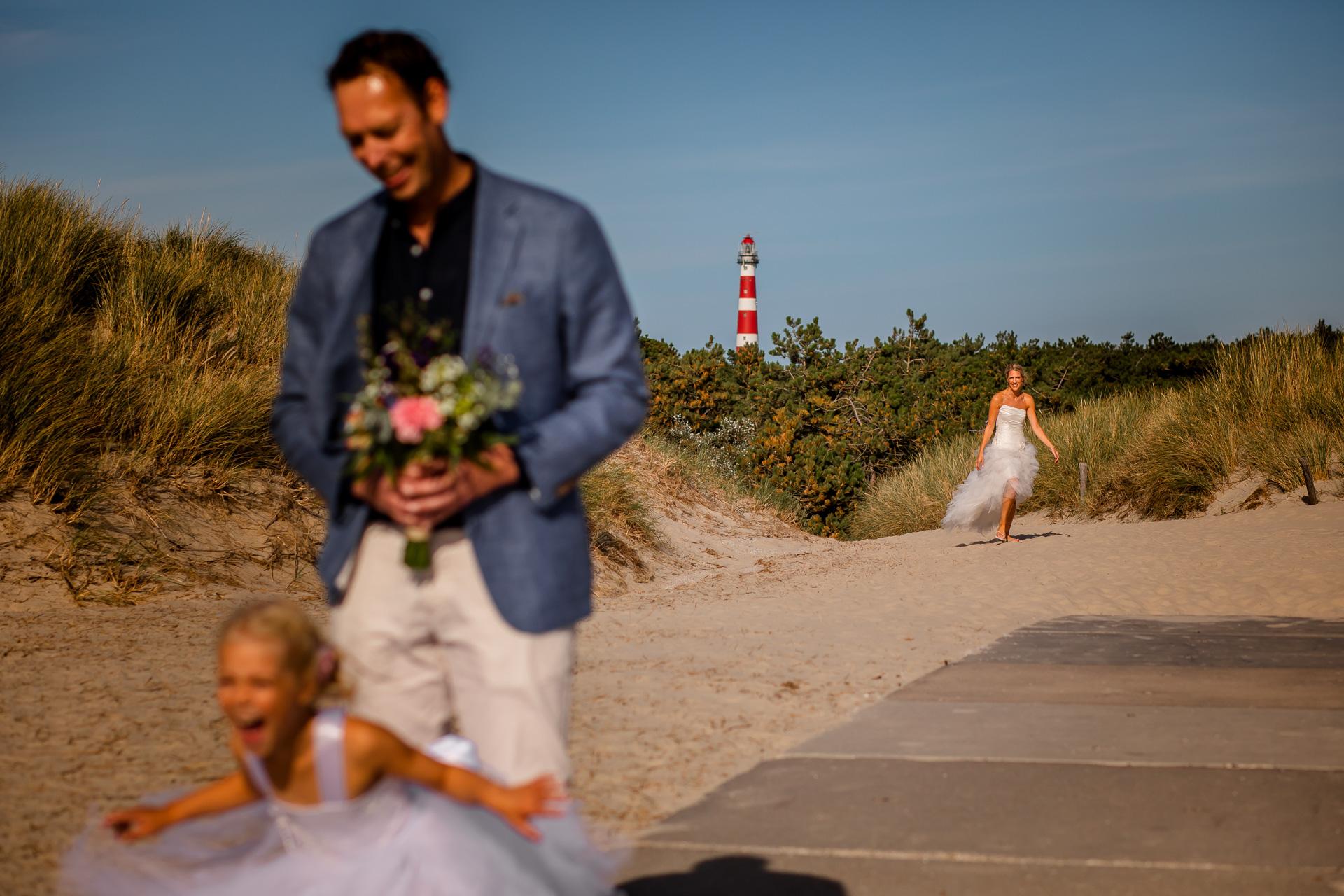 First look trouwen op het strand